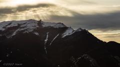 神々しき金峰山