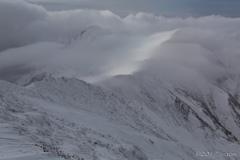 稜線上の流雲