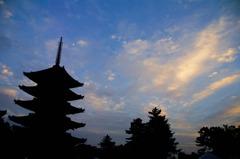 5pagoda-silhouette