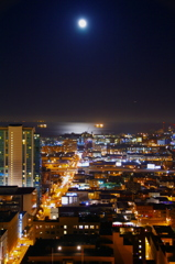 HIlton SF night view and Moon