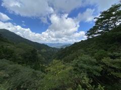 岐阜県鳥越峠から東を向いて。