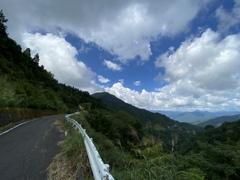 鳥越峠(金糞岳)背中は滋賀県、目の前は岐阜県。