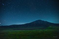 新月の日の空は星だらけ