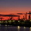 工場と夕焼け