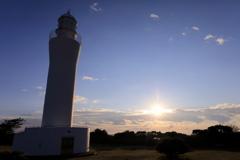 古房地灯台の朝日