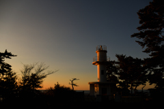 黄金色に輝く灯台