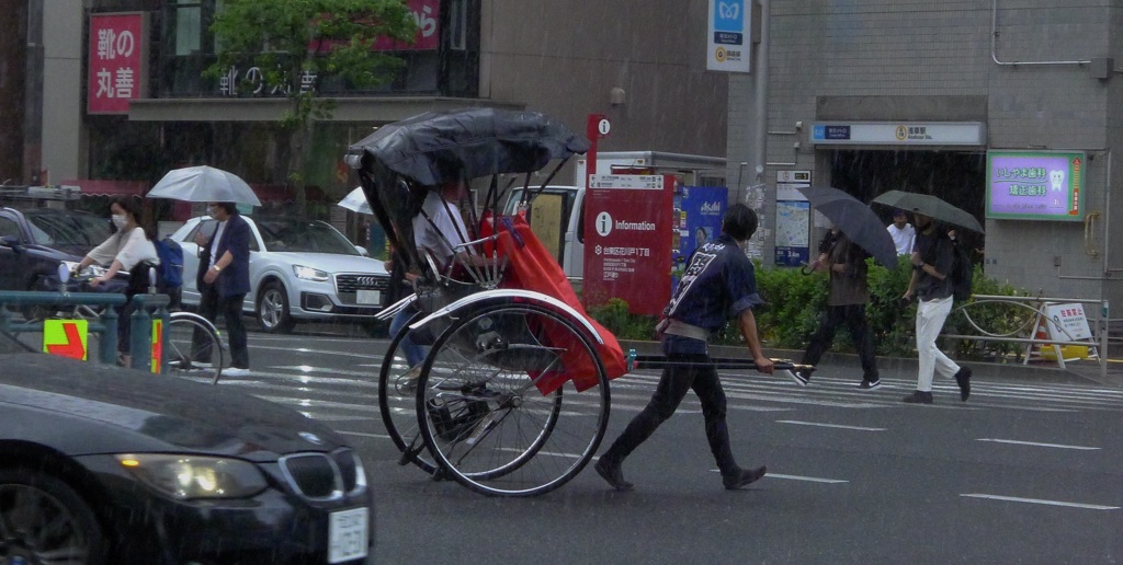 雨 人力車