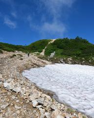 扇雪渓を超えて
