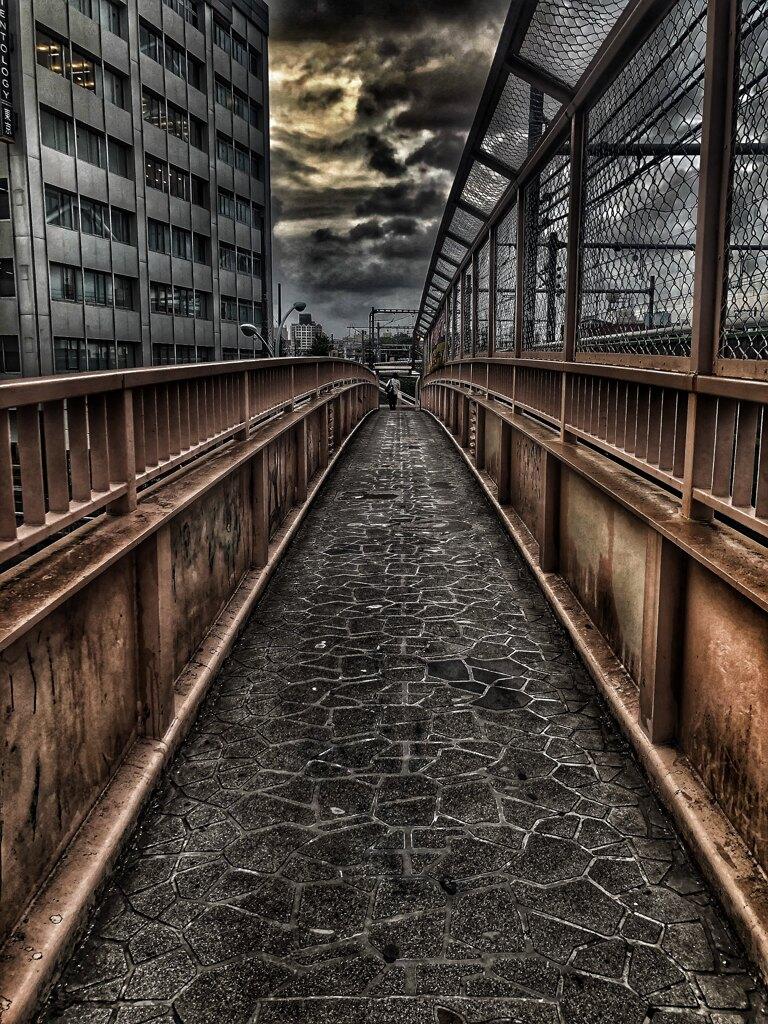 職安通り歩道橋