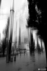 雨上り、空と歩道、