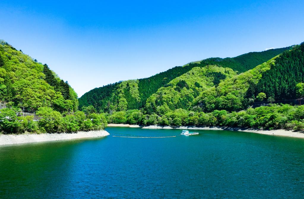 東京都奥多摩湖