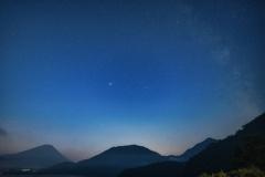 富士本栖湖の星空