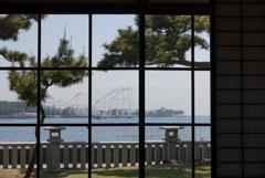 旧伊藤博文金沢別邸より海をのぞむ