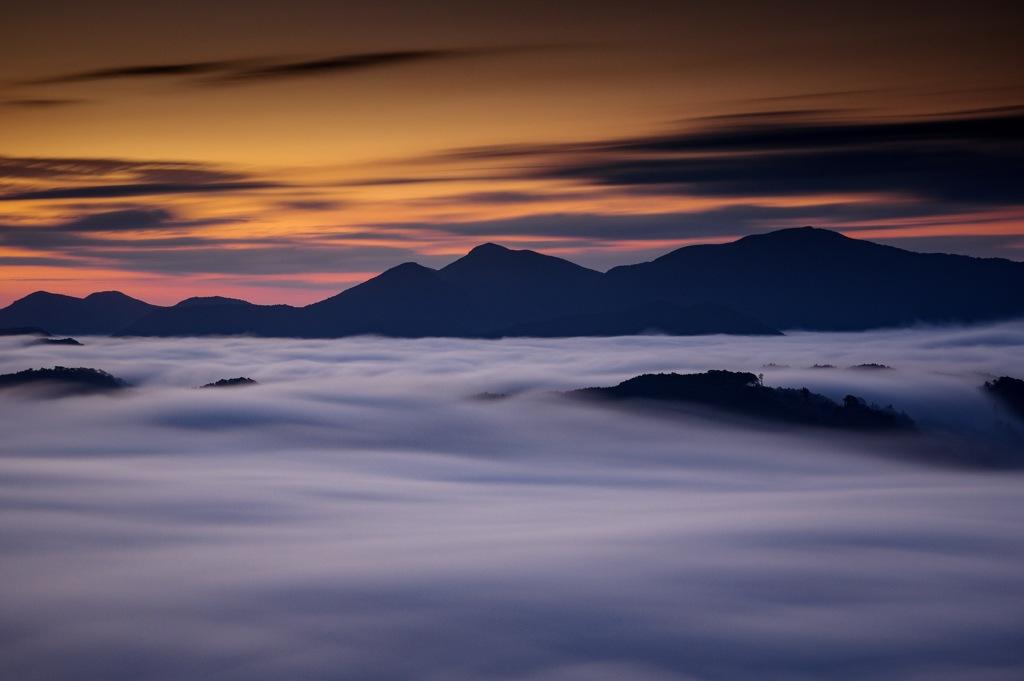 雲海に浮かぶ島々