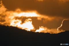 北アルプスの稜線に日が落ちて…⛰☀