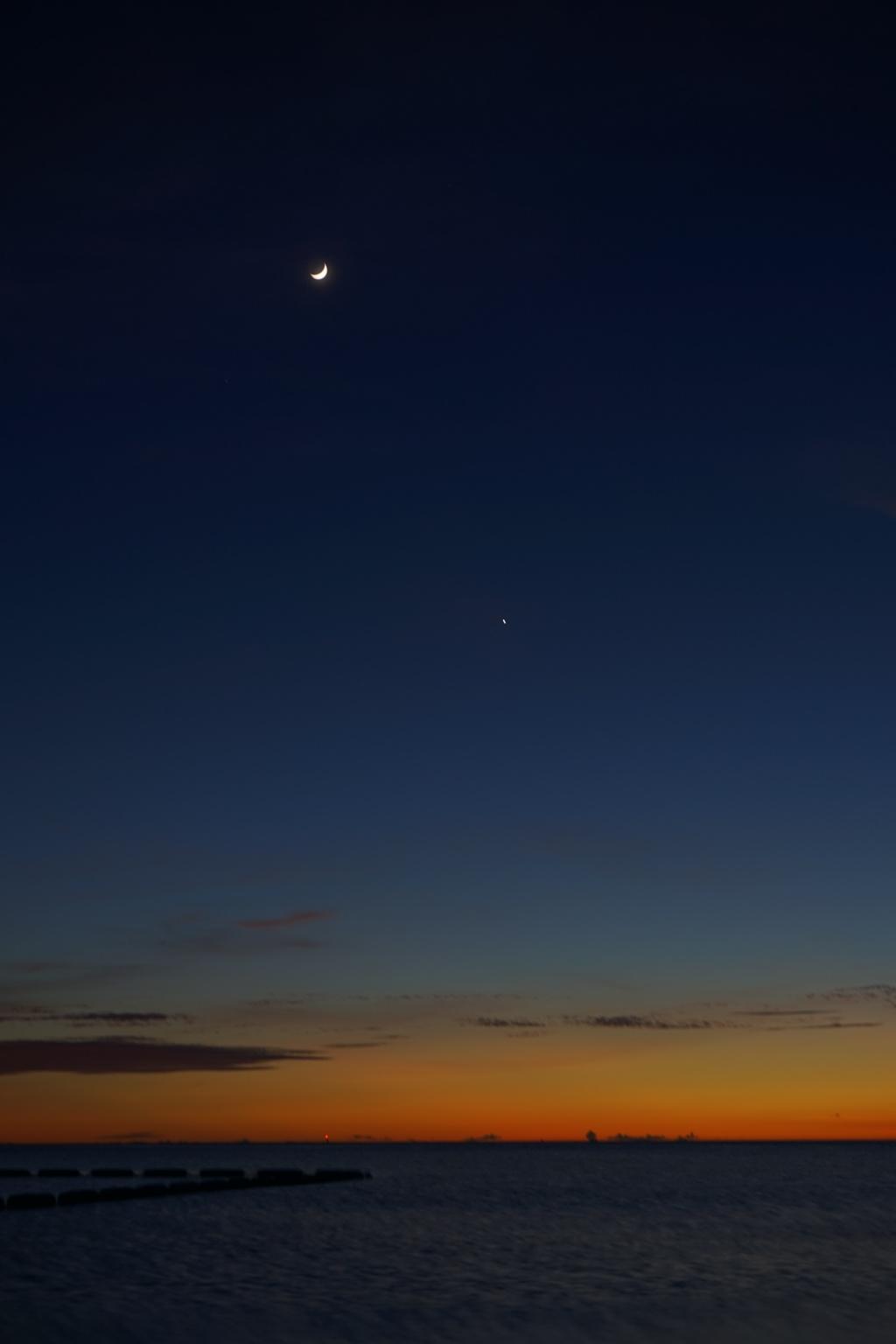 月と星と夕焼け