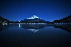 真夜中の精進湖