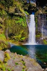 静岡県白糸の滝と虹