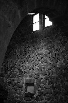 祈りの空間と光