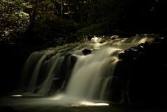 光る蓼科大滝