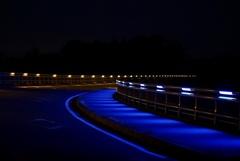 夜の八ヶ岳高原大橋(県道28号 北杜八ヶ岳公園線)
