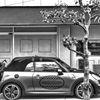 素敵なカフェと車