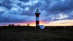 石狩灯台の夜明け