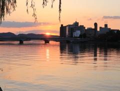 水都の夜明け
