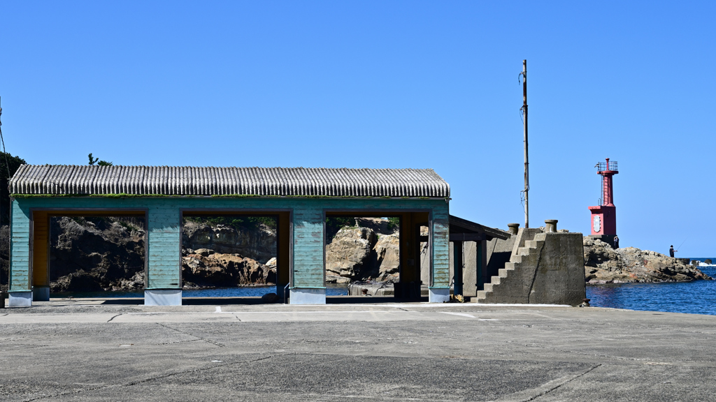 三津漁港灯台②