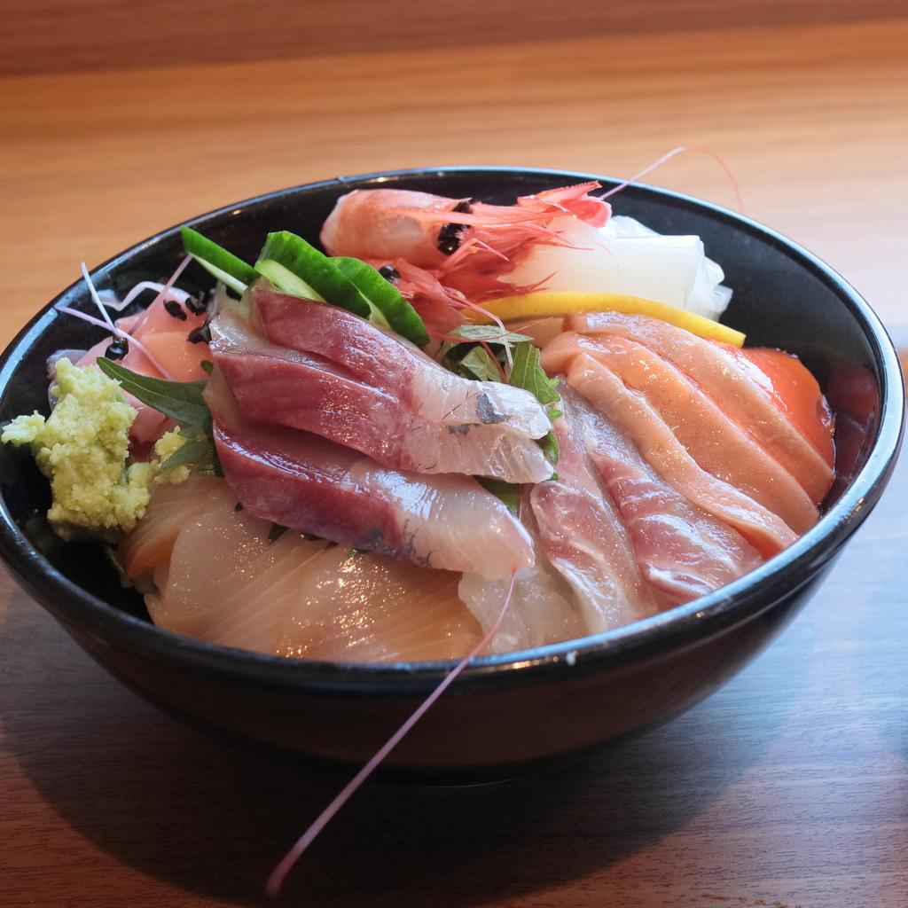 今日も 「海鮮丼」食べました。