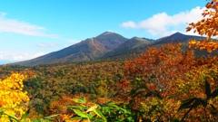 紅葉と岩手山