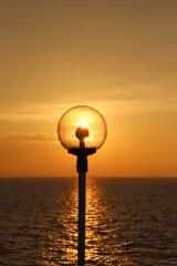 船上の夕陽