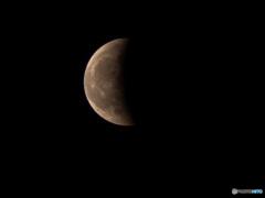 皆既月食半分終わり(2021.05.26.21:17)