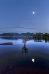 ブルーアワーのサラグー湖
