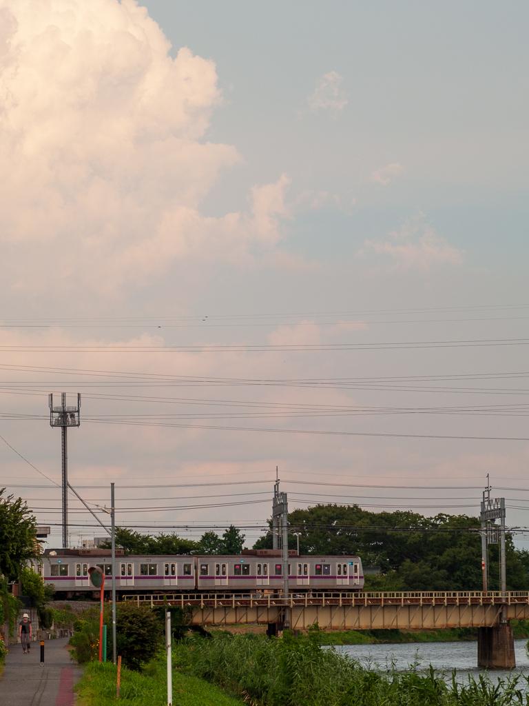 雲と電車(2)