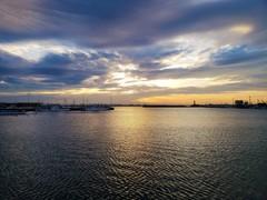 ライトアップ・・・夕空の彩雲
