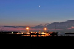 春…月…港の明かり