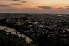 秋…岬の街の夕暮れ