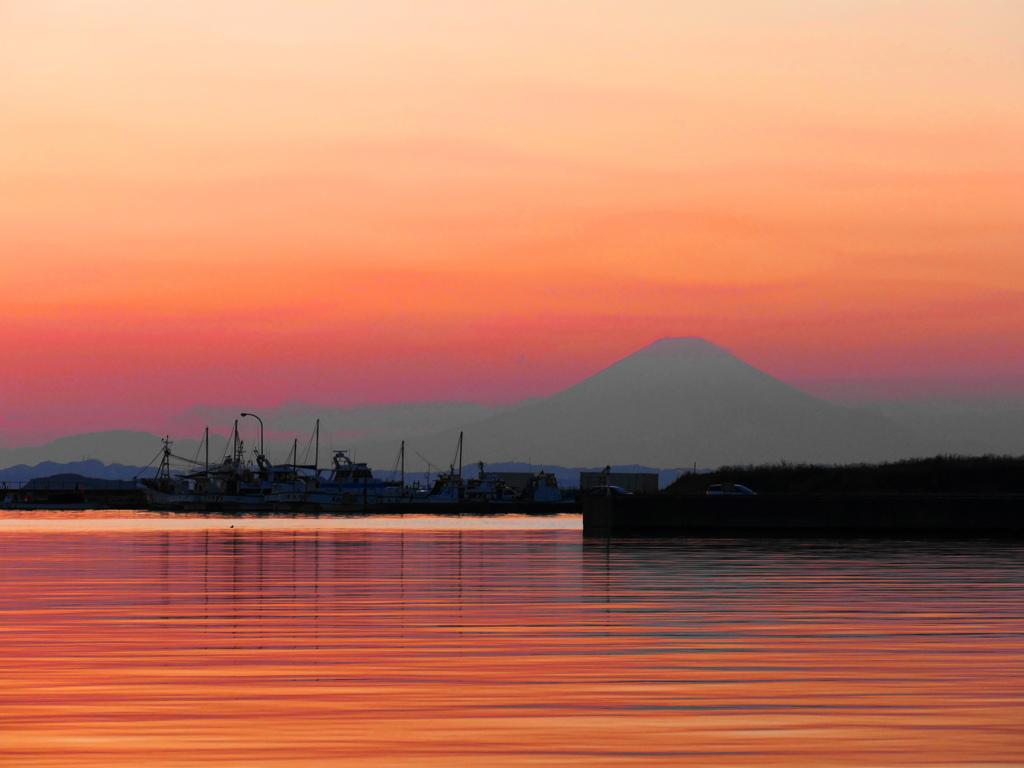 夕景と遠景富士