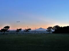 草原・東京湾・富士山