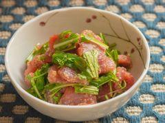 東京ひとりめし:マグロの水菜ごまわさび和え