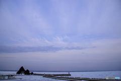 知床の空と流氷