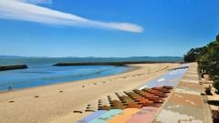初夏 吉良の浜と一筋の雲