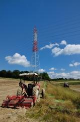 試撮りⅡ 秋晴れの鉄塔と牧場