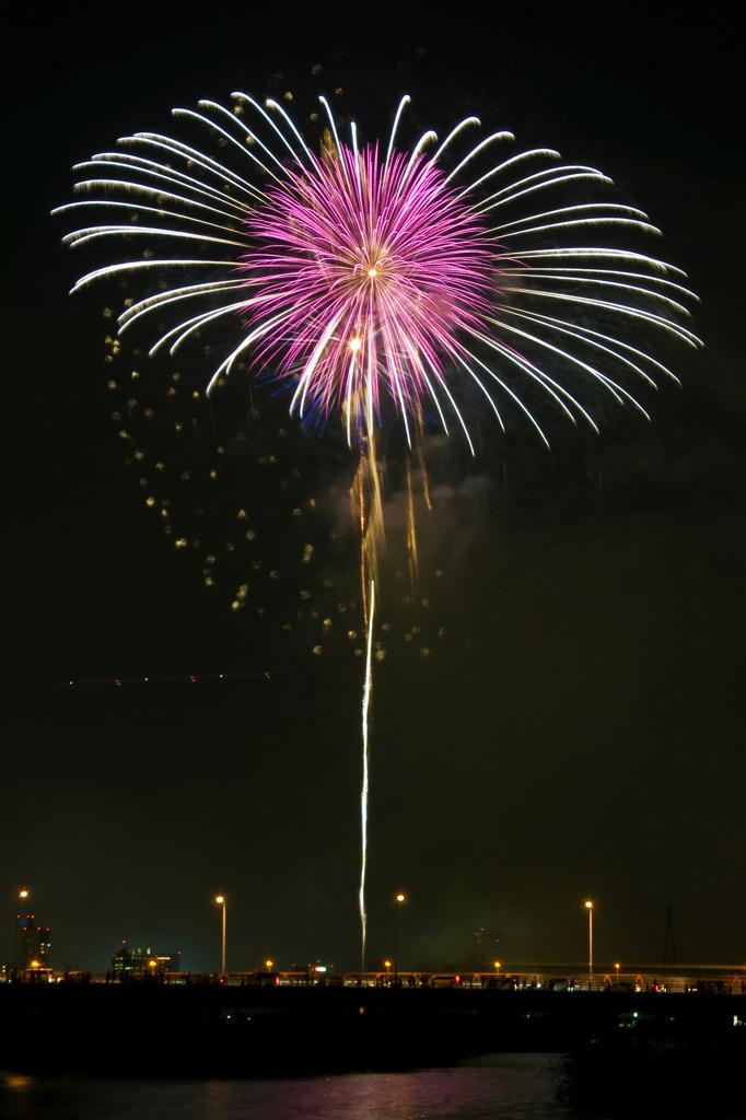 淀川の花火2