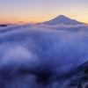 湧き立つ雲海