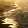 輝く海の道