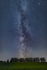 丘に登る銀河