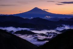 雲踊る富士
