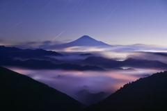 未明の雲海富士